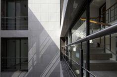 Saxena Apartments / Vir.Mueller Architects