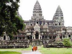 PHNOM PENH, Kambodscha: Die Hauptstraße neben Cambodias berühmten Angkor Wat Tempel ist jetzt Tabu, Autos, als Behörden suchen zu Staus auf der Web... #UNESCO #Archäologie #AngkorVat
