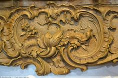 Plaster Art, Antique Frames, Wood Countertops, French Furniture, Furniture Design, Texture Design, Rococo, Wood Art, Wood Carving