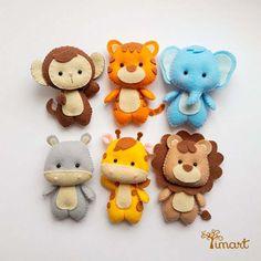 Aprende cómo coser un muñeco de león en fieltro paso a paso ~ Haz Manualidades Felt Crafts Diy, Baby Crafts, Crafts To Sell, Crafts For Kids, Dog Crafts, Summer Crafts, Holiday Crafts, Felt Animal Patterns, Stuffed Animal Patterns