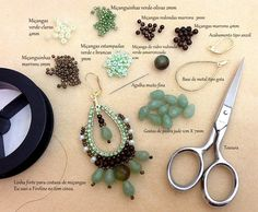 Brick Stitch around long hoops. Description, pictures, & video. (Spanish) #Seed #Bead #Tutorials
