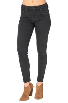 Black wash denim to the ankle. Designed to flatter straight body types the Mazy features a waist-cinching high rise and slim fit through the hip and thigh  Mazy Ankle Jeans by Silver Jeans Co.. Clothing - Bottoms Canada