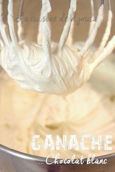 Cake Decorating 367465650839172166 - Ganache montée au chocolat blanc Source by cuisinededjouza Ganache Macaron, Chocolate Macaron Recipe, Chocolate Mousse Cake Filling, Chocolate Chocolate, Pear And Almond Cake, Almond Cakes, Macaron Flavors, Ricotta Cake, White Chocolate Raspberry