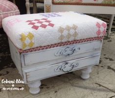 A DIY Ottoman is a fun way to add to personality to any space! It's super easy to make a diy ottoman from cute beverage crates or a drawers. Furniture Projects, Furniture Makeover, Diy Furniture, Diy Projects, Recycling Projects, Recycle Crafts, Reuse Recycle, Wicker Furniture, Painting Furniture