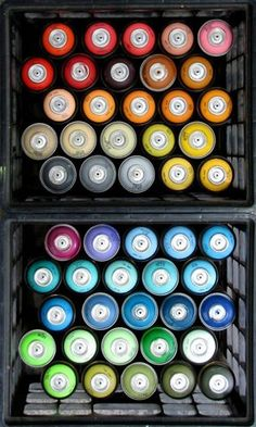 The right way to use spray paint. Pin leads back to Dishfunctional Designs Blog with tips on spray painting all types of things and how to begin! :-)