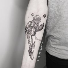 "Nouvelle Rita on Instagram: ""Astronaut for George inspired by one of Jeremy Geddes' awesome cosmonauts. #nouvellerita #linework #astronauttattoo #blackwork #blackink…"" Astronaut Tattoo, Blackwork, Portugal, Spain, Ink, Inspired, Tattoos, Awesome, Inspiration"