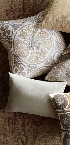 39d9f652d9 Metallic Pillows Formal Living Rooms