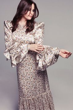 Liv Tyler wears The Vampire's Wife dress. Photographer Joshua Jordan (Lighthouse Photographers Agency) captures Liv Tyler for Alexa Magazine from the New York Post's July 2019 issue. Liv Tyler, The Vampires Wife, Valentino Gowns, Jordan Fashions, Embellished Gown, Prabal Gurung, Michael Kors Collection, Fashion Plates, Fashion Shoot