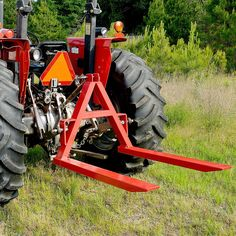 Use these pallet forks to easily move pallets and cargo. capacity, these pallet forks are convenient and easy to use. Old John Deere Tractors, Small Tractors, Compact Tractors, Ford Tractors, Vintage Tractors, 3 Point Attachments, Compact Tractor Attachments, Welded Metal Projects, Welding Projects