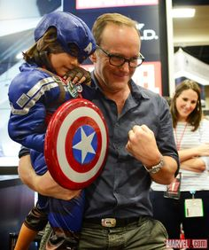 SDCC 2014: Marvel's Agents of S.H.I.E.L.D. signing at the booth