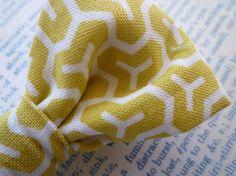 yellow / white / bowtie