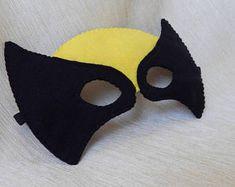 Superwoman inspired felt mask. Superhero mask. Superwoman | Etsy Masquerade Mask Template, Felt Mask, Mask Party, Finger Puppets, Halloween Masks, Powerpuff Girls, Cotton Thread, Hello Kitty, Crafting