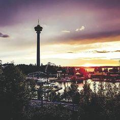 Tampere sunset series continues.. 🌑#tampere #finland #näsinneula #näsinpuisto #auringonlasku #sunset #näsijärvi #manse #beautiful #cityscape #dreamspots #placestosee #wonderful_places #citybestview #citypics #exploring #placestovisit #trulyamazingplaces #beautifulcities #city_explore #urbanromantix #beautifuldestinations #city #citylimitless #sightseeing #theprettycities #visittampere #visitfinland Cn Tower, Seattle Skyline, Building, Travel, Instagram, 18th Century, National Parks, Northern Lights, City