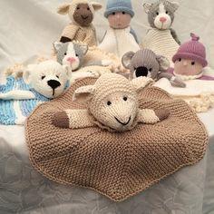 Midi cuddles comfort blanket knitting project by Gypsycream aka Pat A Knitted Dishcloth Patterns Free, Baby Knitting Patterns, Loom Knitting, Bunny Blanket, Lovey Blanket, Cuddle Comfort, Baby Security Blanket, Knitted Dolls, Crochet Toys