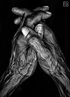 Working hands, Angola, by Face Studio Angola Hand Photography, Amazing Photography, Portrait Photography, Black And White Portraits, Black And White Photography, Portrait Male, Hand Fotografie, Photo Main, Working Hands