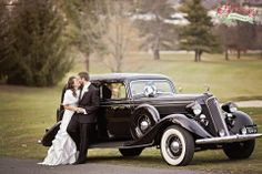 vintage car wedding photography