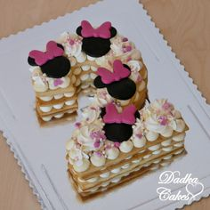 Minnie mouse number cake by Dadka Cakes Candy Birthday Cakes, Number Birthday Cakes, Birthday Cake Girls, Minnie Mouse Cupcake Cake, Minnie Mouse Cookies, Cupcake Cakes, Number 2 Cakes, Cake Lettering, Disney Cakes