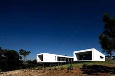 U House, designed by  Jorge Graça Costa, Ericeira