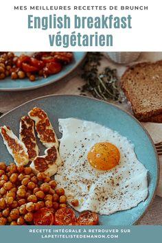 Pour cet english breakfast revisité, j'ai essayé de composer une assiette qui soit gourmande mais qui ne reste pas sur l'estomac. Pour cela j'ai choisi des ingrédients relativement sains pour obtenir une assiette équilibrée et protéine (notamment grâce à la présence d'oeufs et de pois chiches) ! Découvrez vite ma recette d'english breakfast végétarien composé d'un oeuf sur le plat, d'halloumi grillé, de tomates cerises
