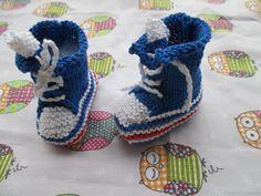 Chaussons Basket tricotés aux aiguilles et coton.