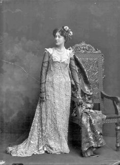 Miriam Clements [stage name], Mrs. Cecil Ainsley Walker-Leigh, 1899