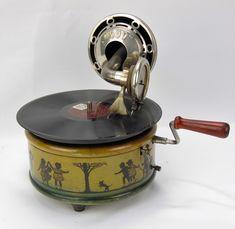 "Nirona ""999"" kindergrammofoon, Duitsland ca 1925"