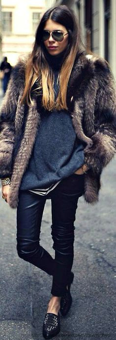 Street style https://www.facebook.com/pages/Its-a-Girl-thing/1387136248201815?ref=hl