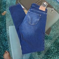 Hollister skinny jeans Good condition Hollister skinny jeans size 29 inseam 30 Hollister Jeans Skinny