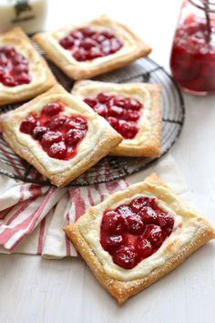 Quick and Easy Cream Cheese Danishes These quick and easy Cherry Cream Cheese Danishes are the perfect on the go breakfast, or sweet treat for the end of the day! Cream Cheese Puff Pastry, Cream Cheese Danish, Cream Cheeses, Puff Pastry Desserts, Puff Pastry Recipes, Puff Pastries, Cherry Pastry Recipes, Strawberry Puff Pastry, Pastries Recipes