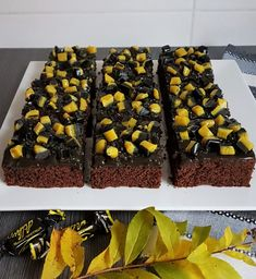 Gluteenittomat lakritsimokkapalat | Himoleipuri 200 Calories, Toffee, Sweets, Desserts, Food, Sticky Toffee, Tailgate Desserts, Candy, Deserts