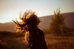 ImageFind images and videos about girl, hair and nature on We Heart It - the app to get lost in what you love. Foto Pose, Aesthetic Photo, Aesthetic Roses, Creative Portraits, Light And Shadow, Character Inspiration, Portrait Photography, At Least, Photoshoot