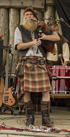 Saor Patrol ~ Spirit of Duncarron event in Scotland Saor Patrol, Scottish Man, Scottish Dress, Scottish Clothing, Scottish Warrior, Scottish Culture, Men In Kilts, Kilt Men, Tartan Plaid