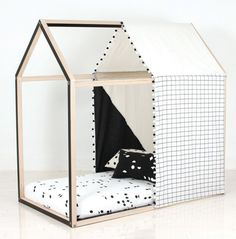 PLAYHOUSE COVER BLACK & WHITE | This playhouse cover is a monochrome lover's delight. Made responsibly from cotton, the cover is sturdy and visually appealing. Eligible for FREE SHIPPING| amelieandmax.com