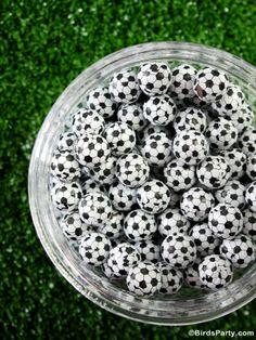 Brazil World Cup: Soccer / Football Inspired Party Candy by Bird's Party #football #worldcup #soccer #party #festa #festas #copa #futebol #chocolate #candy