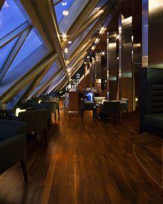Jumeirah Emirates Towers Hotel - Dubai Restaurants - Vu's - Bar and Lounge