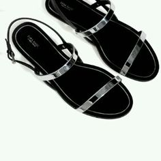 brand new 90392 3b849 Flat sandals with metallic straps from Zara.
