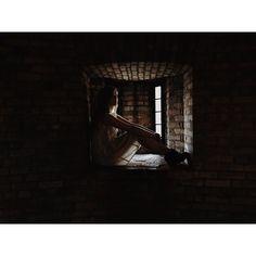 #vsco #vscocam #afterlight #shadows #photography #casaloma #window