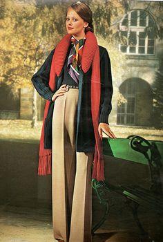 The autumn fashion 70s Vintage Fashion, Vintage Outfits, Preppy Style, My Style, Dope Fashion, 1974 Fashion, Mellow Yellow, Historical Clothing, Vintage Looks