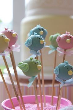Oh my goodness! No Bake Cake Pops, Cake Push Pops, Cupcakes Flores, Fondant, Cake Pop Designs, Cupcakes Decorados, Bird Cakes, Cake Bites, Cookie Pops
