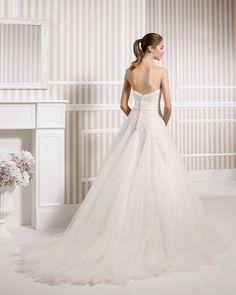 8S145 LESTER | Wedding Dresses | 2015 Collection | Luna Novias (back)