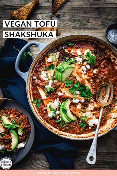 Easy vegan shakshuka made with tofu, dairy-free feta, plenty of veggies and spices is the easy Vegan Brunch Recipes, Healthy Recipes, Healthy Meals, Shakshuka Recipes, Fire Roasted Tomatoes, How To Cook Eggs, Fresh Herbs, Tofu, Feta