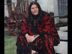 Mercedes Sosa, My Point Of View, My Music, Plaid Scarf, Folk, Icons, Youtube, Fashion, Musica