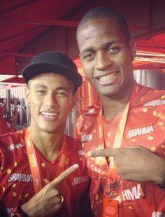 Dedo de Neymar causa espanto na internet; veja - Futebol - R7