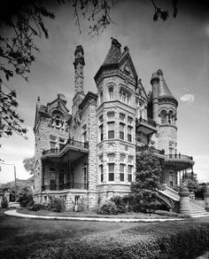 Image result for photos of old bank in houston texas Abandoned Mansion For Sale, Abandoned Houses, Abandoned Places, Old Houses, Haunted Houses, Scary Houses, Vintage Houses, Manor Houses, Haunted Mansion
