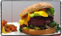 """Tentative de Burger """"twisté"""" pour le concours du meilleur burger de France ! BomBurgerBay = épices garam massala, mangue, chutney etc"""