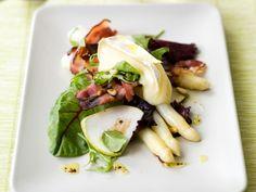 Slaatje met asperges, peer en lauwwarme brie - Libelle Lekker! Veggie Recipes, Salad Recipes, Cooking Recipes, Confort Food, Healthy Recepies, Healthy Food, Salad Wraps, Feel Good Food, Asparagus Recipe