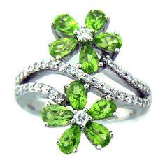 14k White Gold Peridot Flower Diamond Ring (3.15 ctw)