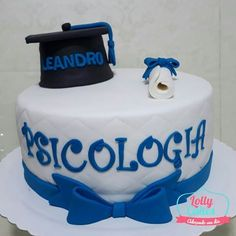 #boloformatura para a cliente Adriana! #lollycakes #festasalvador #bolodecorado #arteemacucar #arteembolos #formatura #formaturapsicologia #boloformaturapsicologia #instacake #bolopersonalizado #lovecakes #cake