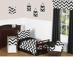 The Sweet Jojo Designs Black and White Chevron Bedding Toddler Set adorns your child's room with style. Featuring a chevron design and coordinating solid colors, it includes a comforter, pillow sham, fitted sheet, flat sheet and pillow case. White Toddler Bed, Toddler Bed Sheets, Boy Toddler, Boys Bedding Sets, Girl Nursery Bedding, Chevron Bedding, Bed Duvet Covers, Bed Styling, Bedding Collections