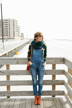 77 Trendy Overalls Outfits for Summer and Spring - Fashionetter Denim Overalls Outfit, Overalls Fashion, Denim Jumpsuit, Dungarees, Overalls Women, Fall Winter Outfits, Autumn Winter Fashion, Spring Outfits, Romper Outfit